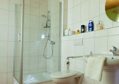 Pension Villa Immergrün Oberhof, Zimmerbeispiel Bad